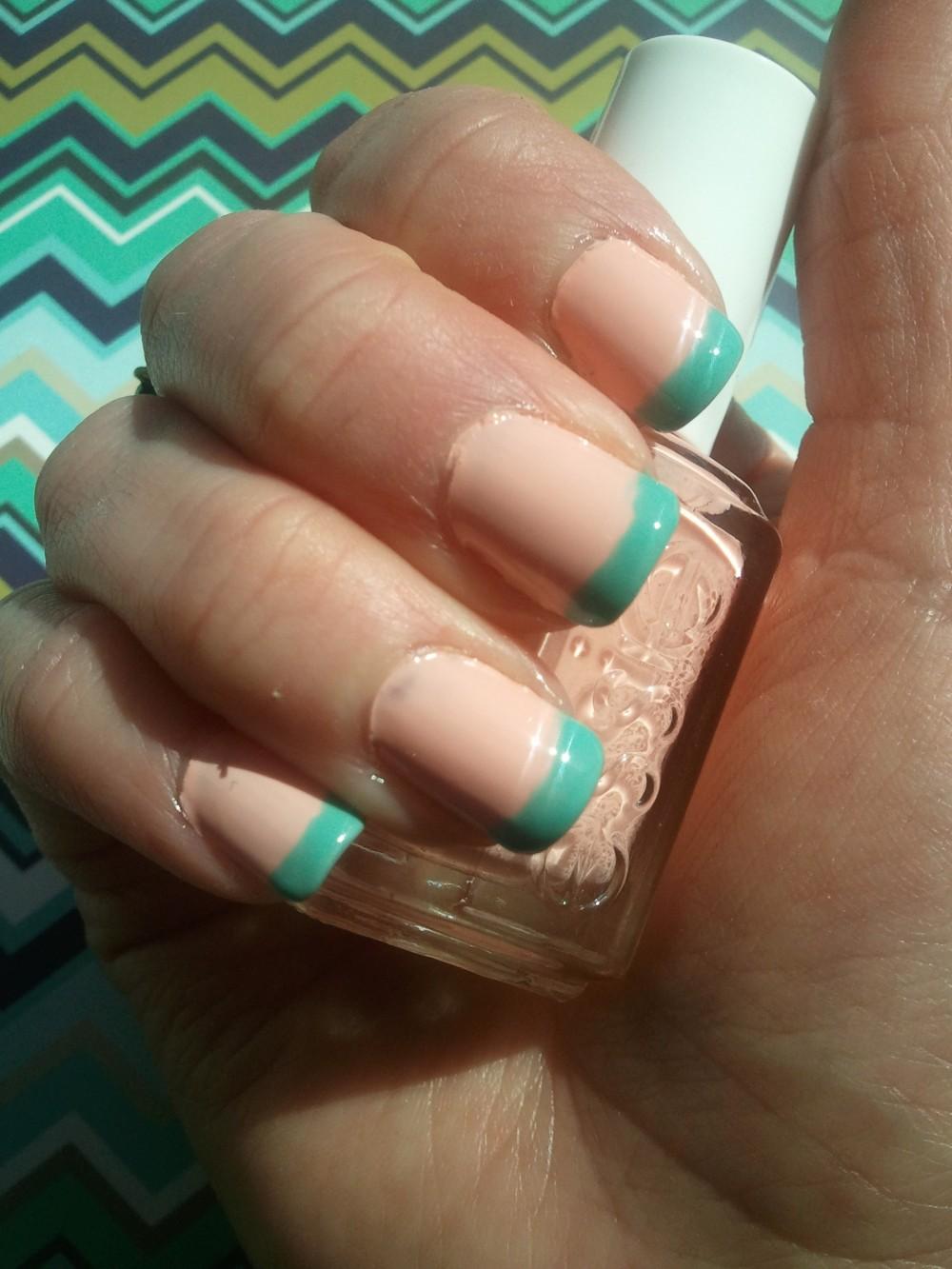Zooey Daschanel Copy Cat nails with Essie