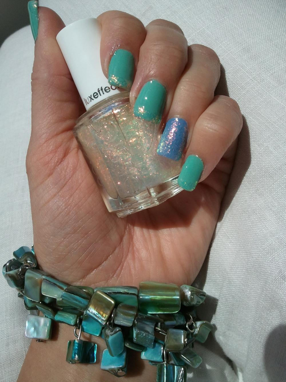 Sea Water Nails