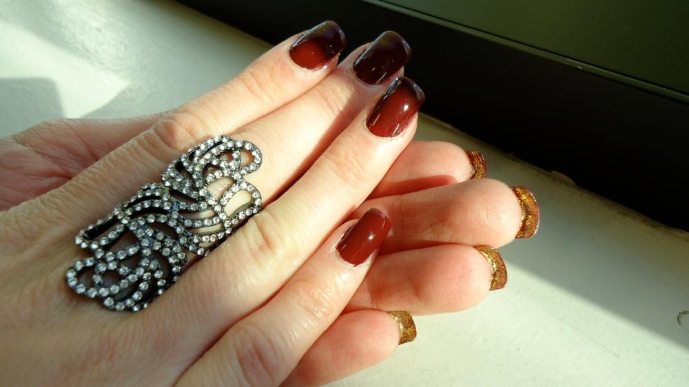Official Sévérine manicure in Skyfall
