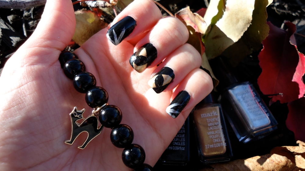 Purrrrrfect mark. girl mani for Halloween