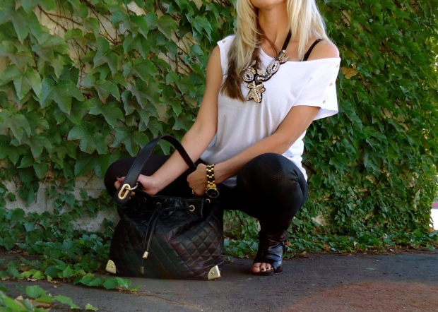 Casual Luxe Look with mark. Go For Baroque Necklace, Gilded Glam Pants and Oh Couture Handbag
