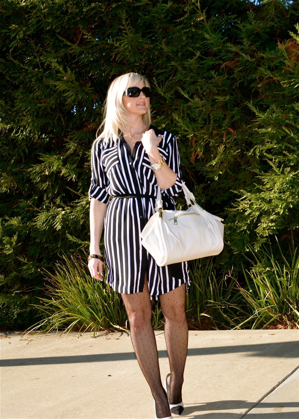 Wear and Share Wednesday mark. Avon Classic Hit Handbag