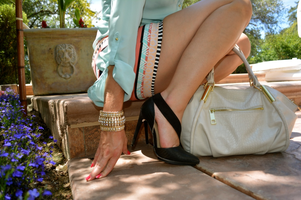 Lady Like Details Dress Up Aztec Printed Shorts