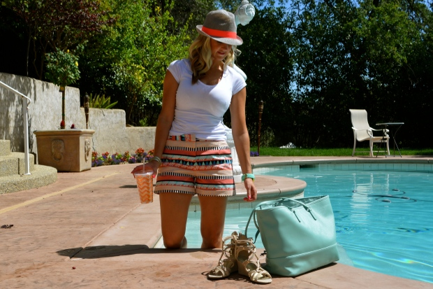 Casual way to wear Aztec printed shorts