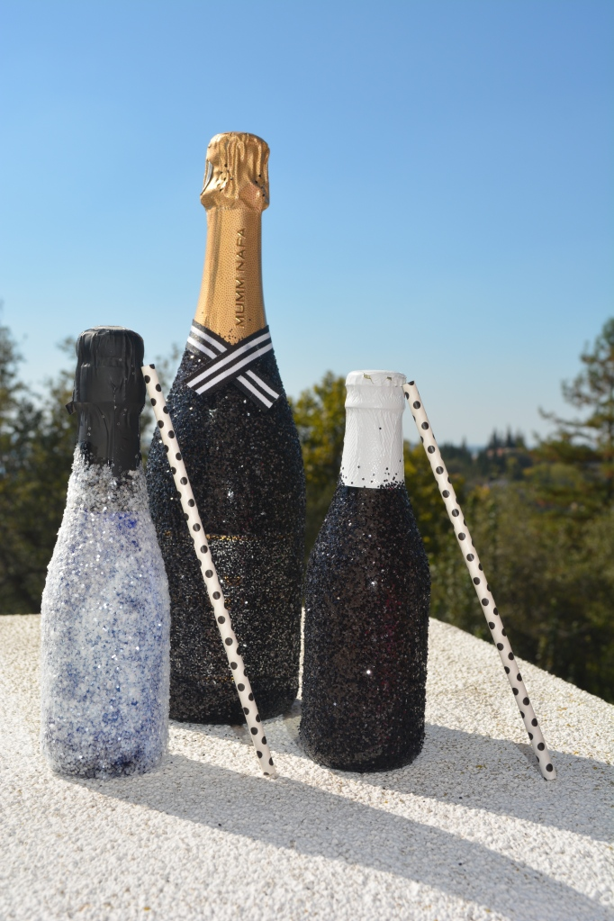 Black and White Glittered Champaign and Cider