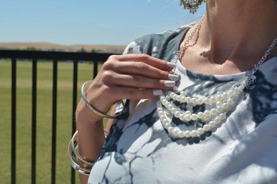 Avon Style Swap Luminous Pearlesque Necklace Set