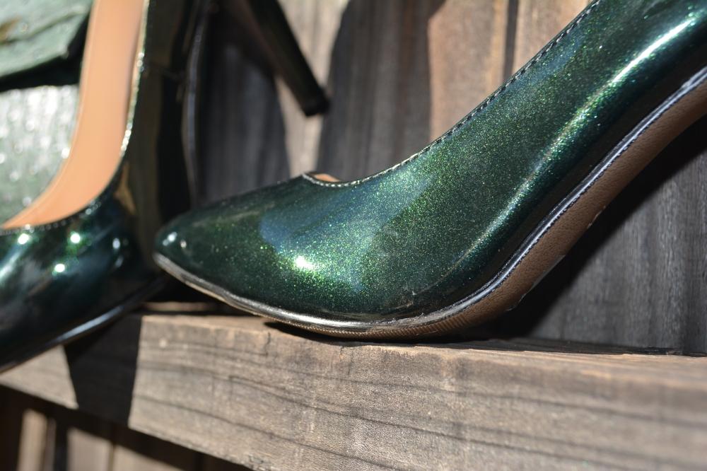 mark. Emerald Princess Pumps