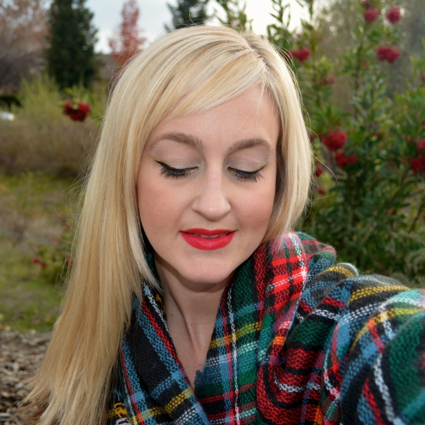 Holiday Makeup: Gold and Black Cat Eye and Red Lip