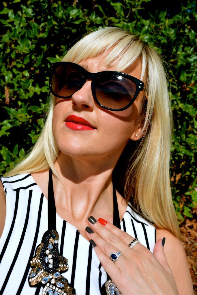 Avon Ultra Color Lipstick In Matte Ruby