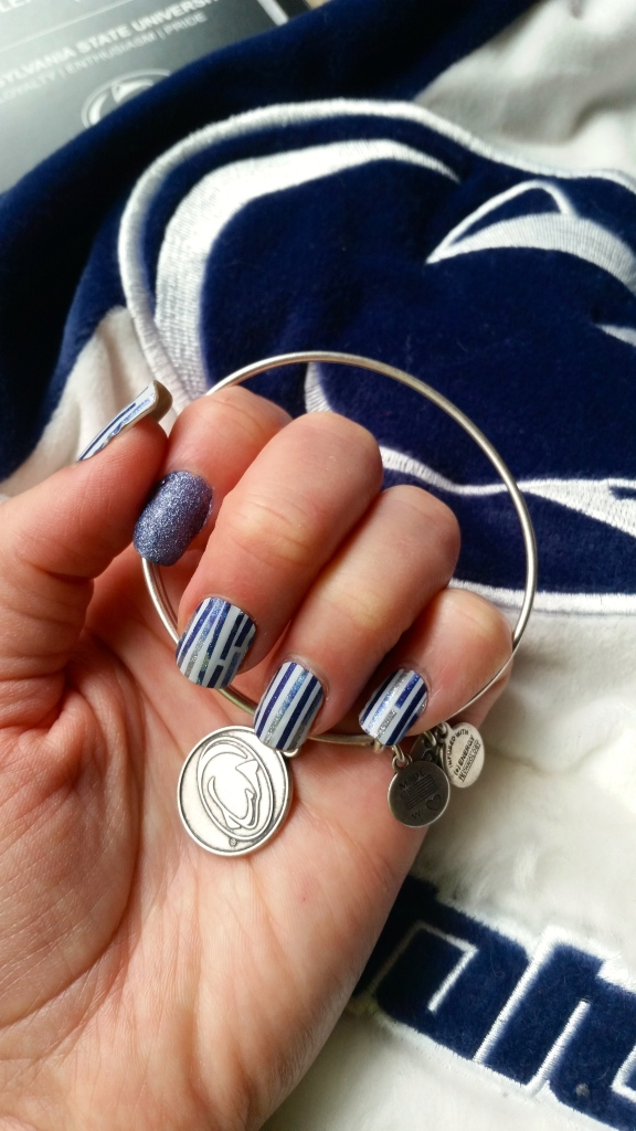 Penn State Mani for Taxslayer Bowl!