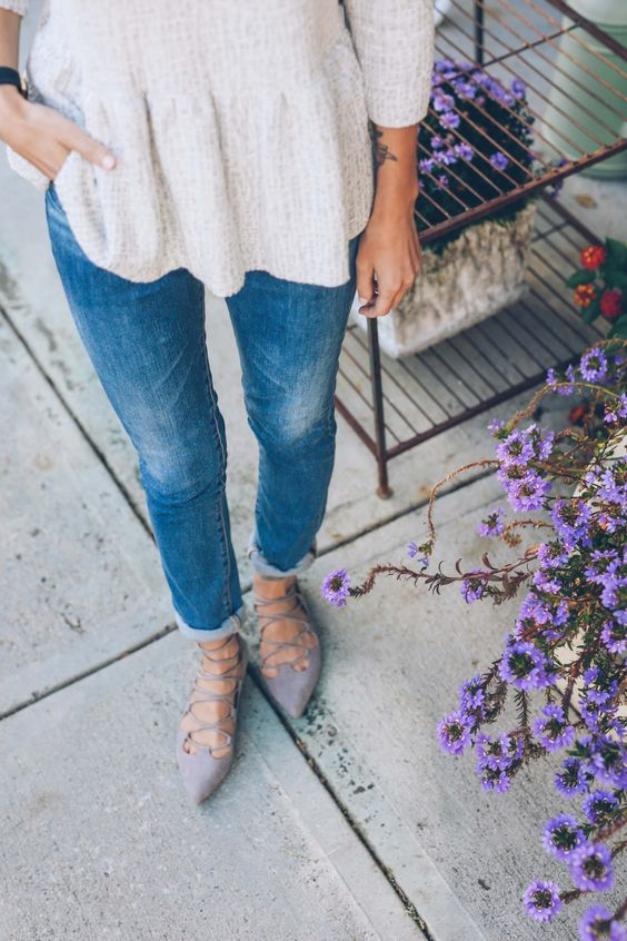 Causal and cool in lace up flats