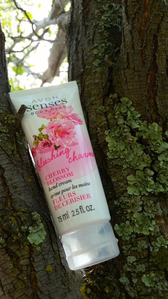 Avon Senses Hand Cream in Cherry Blossom