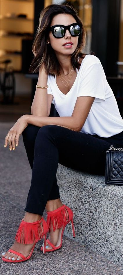 Why I Need A Plain White Tee (via pinterest)