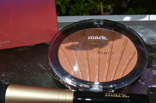 Word Of Alicia Review: mark. Maui Bliss Sunset Glow Face Bronzer