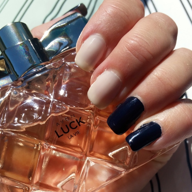 Mani Monday:  Navy and Cream