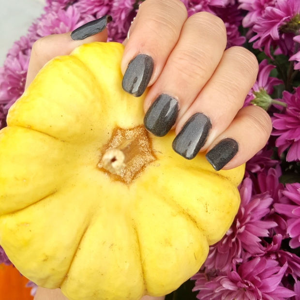 Mani Monday - Halloween Inspo