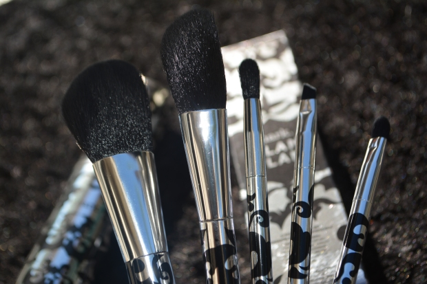 mark. Glam Plan Makeup Brush Set