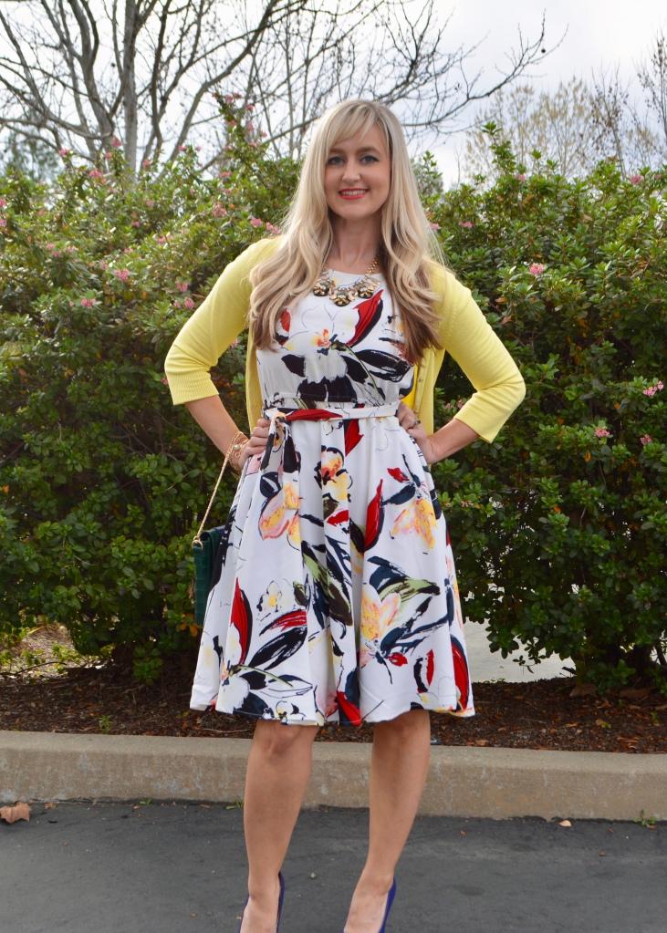 Dress has POCKETS!