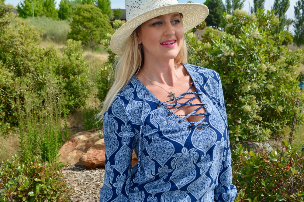 Avon Seaside Starfish Necklace and Isle Style Hat