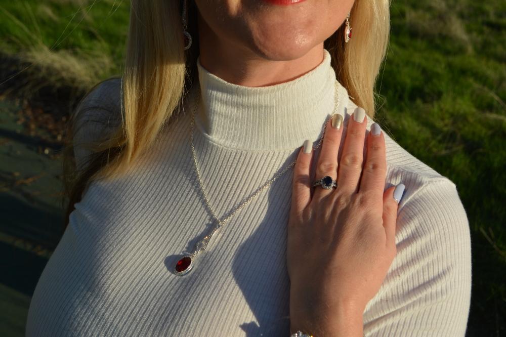 Avon Ravishing Red Collection