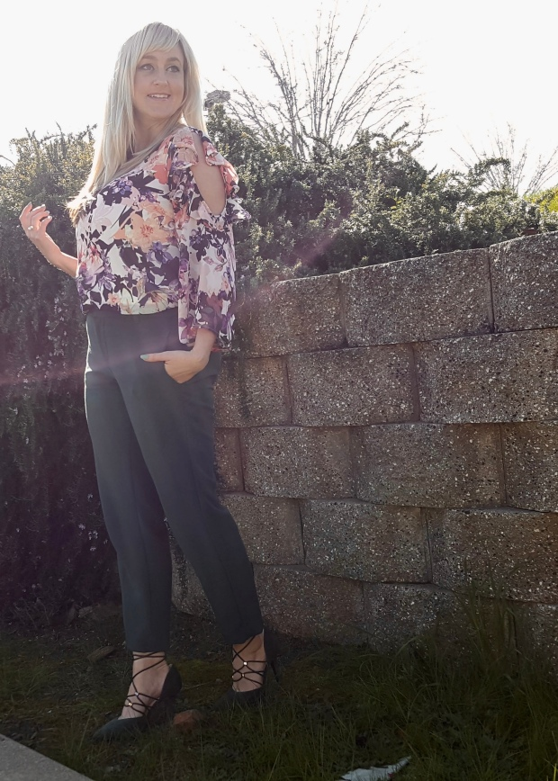 Spring Looks With Savana Blooms