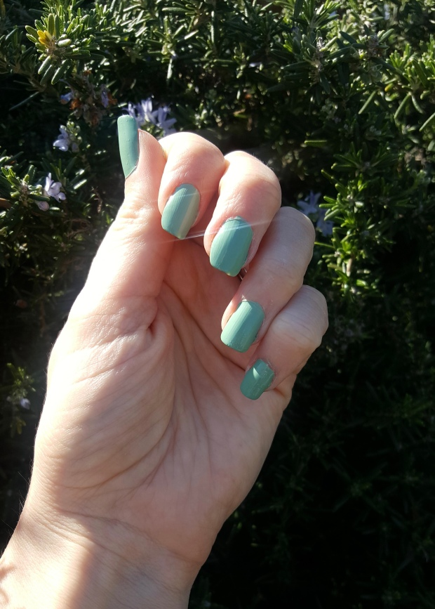 Avon Gel Polish in Clover